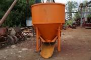 Бадья для бетона круглая с клешневидным затвором БКН-1,0 с лотком